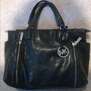 Michael Korea hand bag